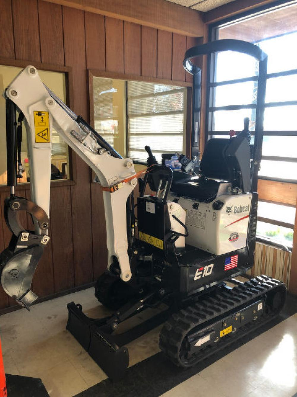 Detail photo of 2018 Bobcat E10 from Construction Equipment Guide