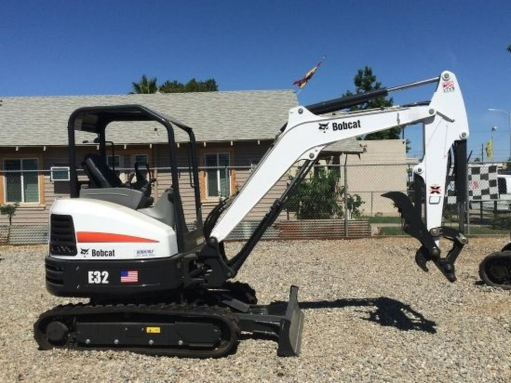 Detail photo of 2018 Bobcat E32I from Construction Equipment Guide