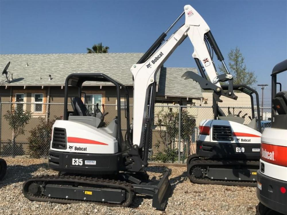 Detail photo of 2018 Bobcat E35T4 from Construction Equipment Guide