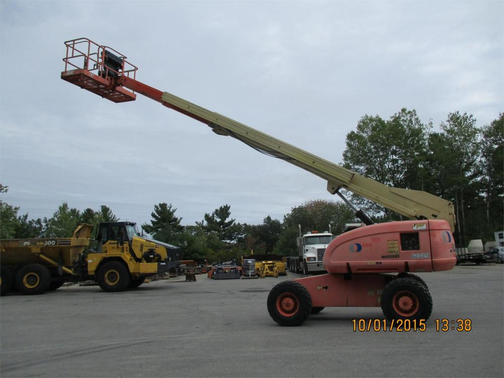 Detail photo of 2000 JLG 660S from Construction Equipment Guide