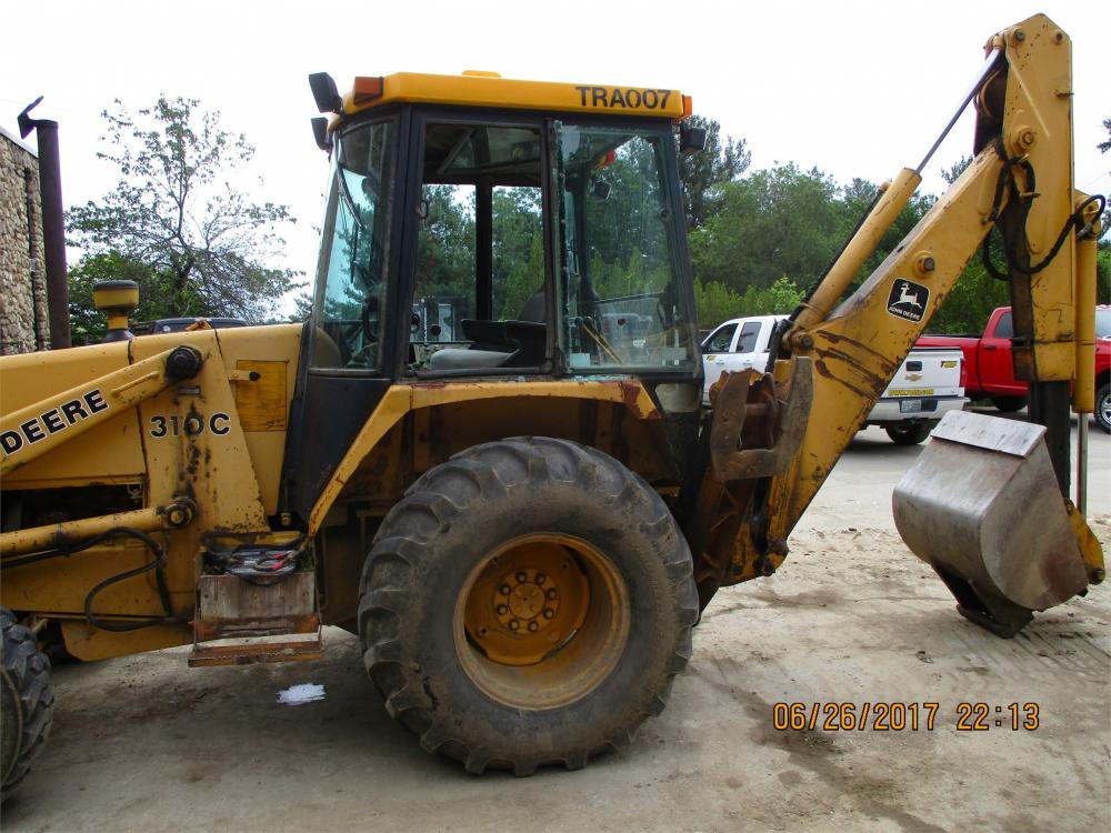 Detail photo of 1990 John Deere 310C from Construction Equipment Guide