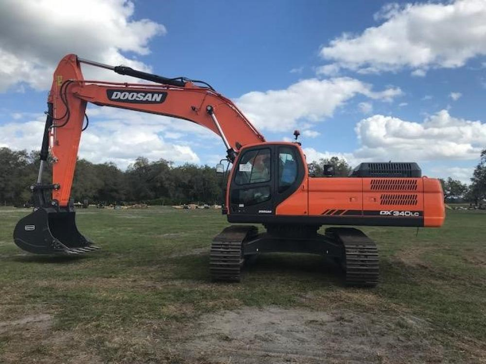 Detail photo of 2017 Doosan DX340LC from Construction Equipment Guide