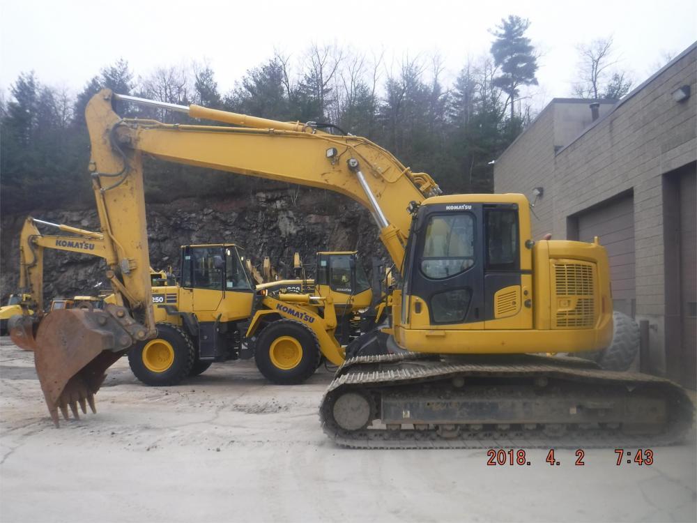 Detail photo of 2016 Komatsu PC228USLC-10 from Construction Equipment Guide