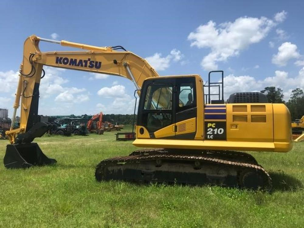 Detail photo of 2013 Komatsu PC210LC from Construction Equipment Guide