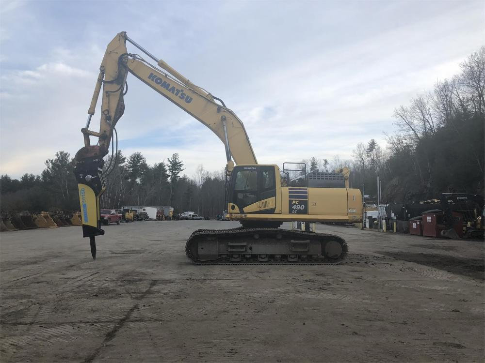 Detail photo of 2012 Komatsu PC490LC-10 from Construction Equipment Guide