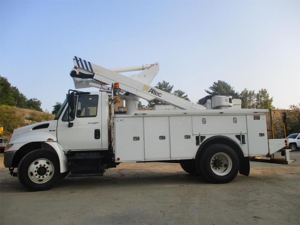 Detail photo of 2010 International 4300 from Construction Equipment Guide