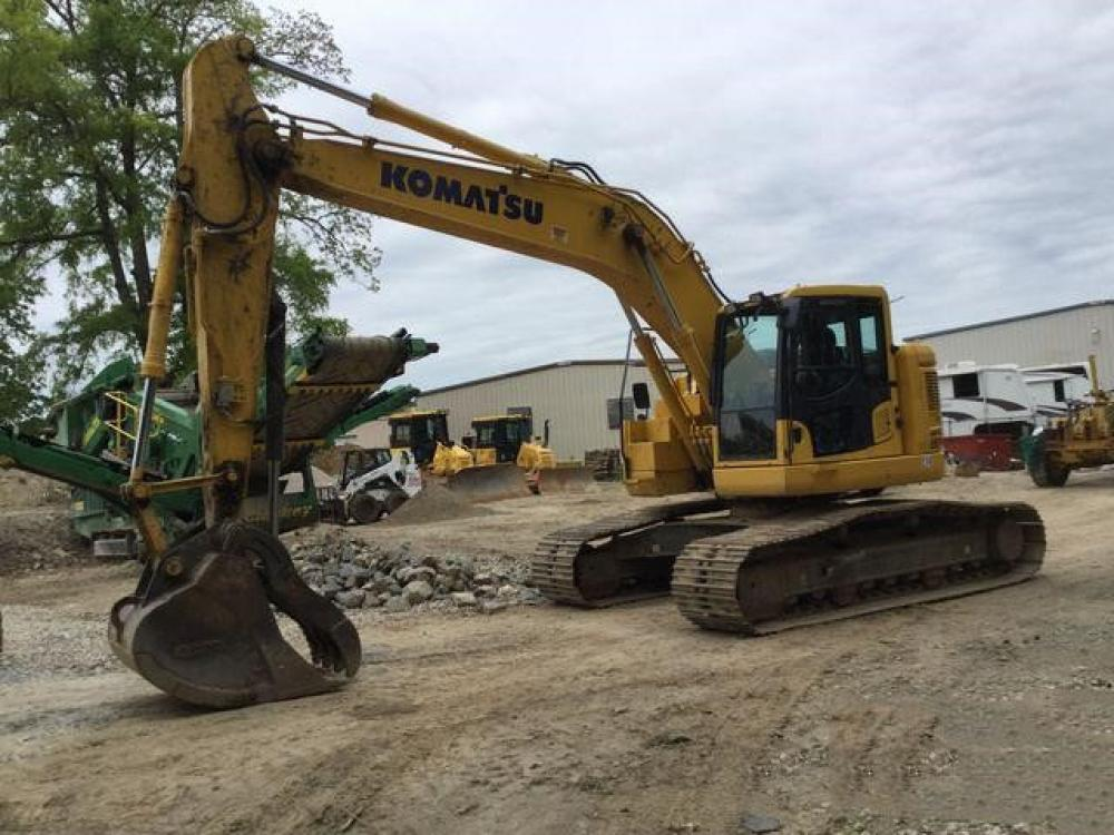 Detail photo of 2015 Komatsu PC228USLC-10 from Construction Equipment Guide
