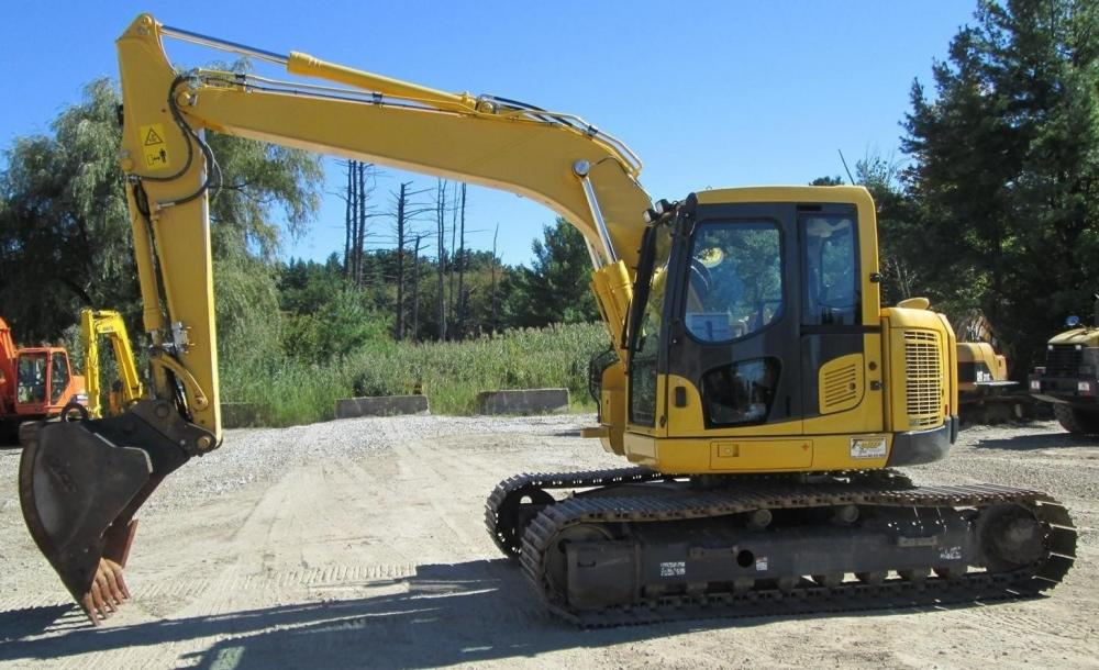 Detail photo of 2012 Komatsu PC138USLC-8 from Construction Equipment Guide