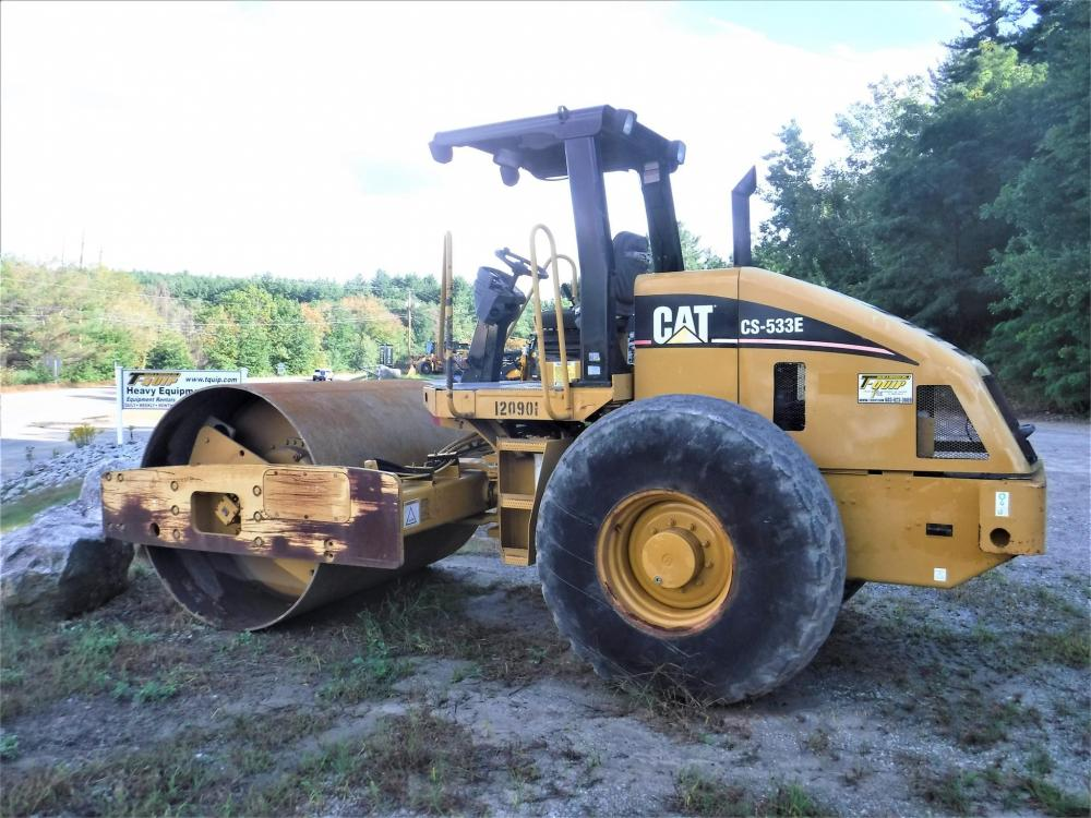 Detail photo of 2006 Caterpillar CP533E from Construction Equipment Guide