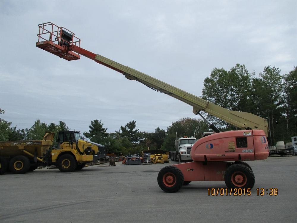 Detail photo of 2000 JLG 600S from Construction Equipment Guide