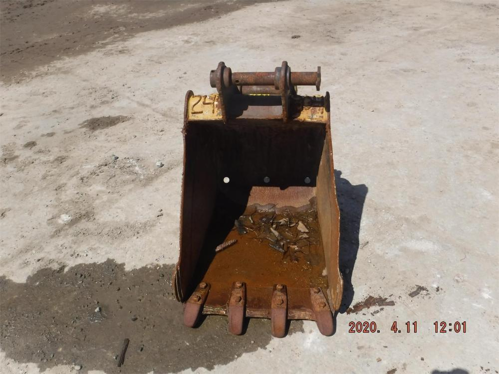 Detail photo of  Caterpillar 24 IN. DIGGING BUCKET from Construction Equipment Guide