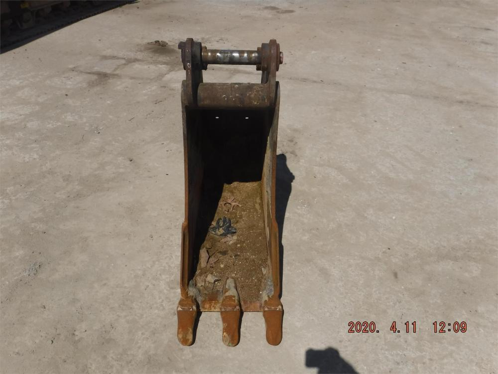 Detail photo of  Caterpillar 16 IN. DIGGING BUCKET from Construction Equipment Guide