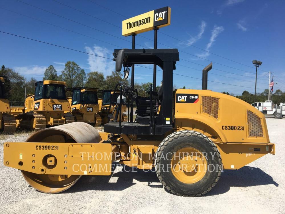 Detail photo of 2016 Caterpillar CS44 from Construction Equipment Guide