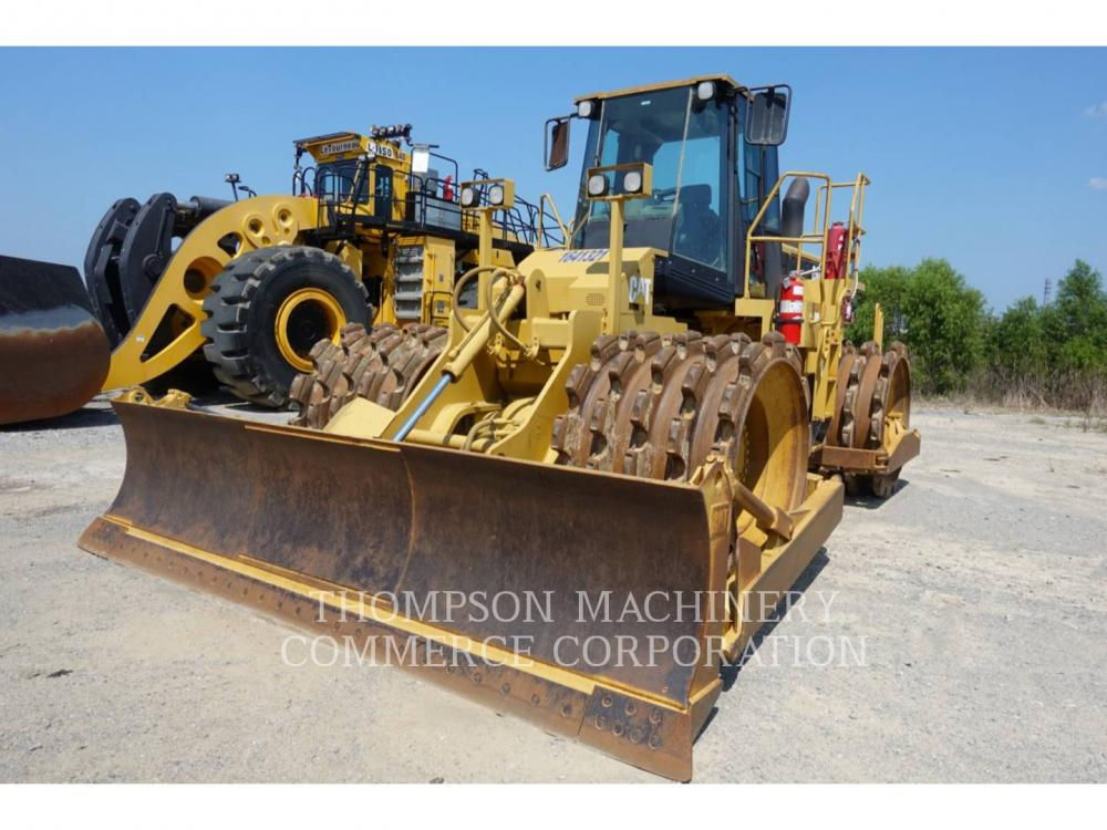 Detail photo of 2003 Caterpillar 825G from Construction Equipment Guide
