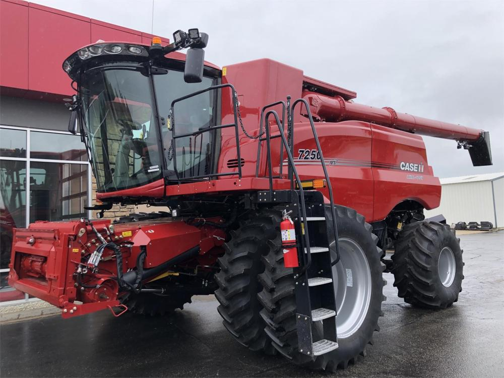 Detail photo of 2019 Case IH 7250 from Construction Equipment Guide
