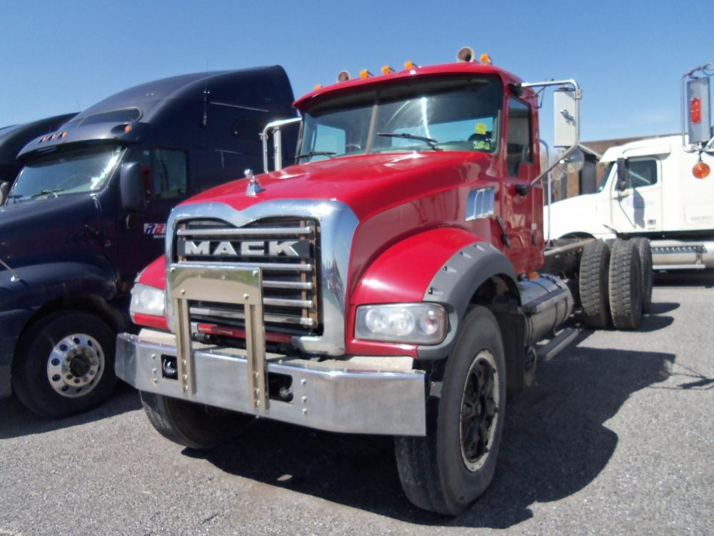 Detail photo of 2009 Mack GRANITE GU713 from Construction Equipment Guide