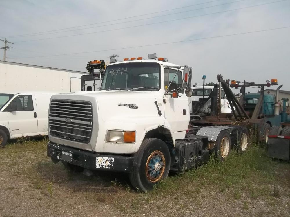 Detail photo of 1993 Ford L9000 from Construction Equipment Guide