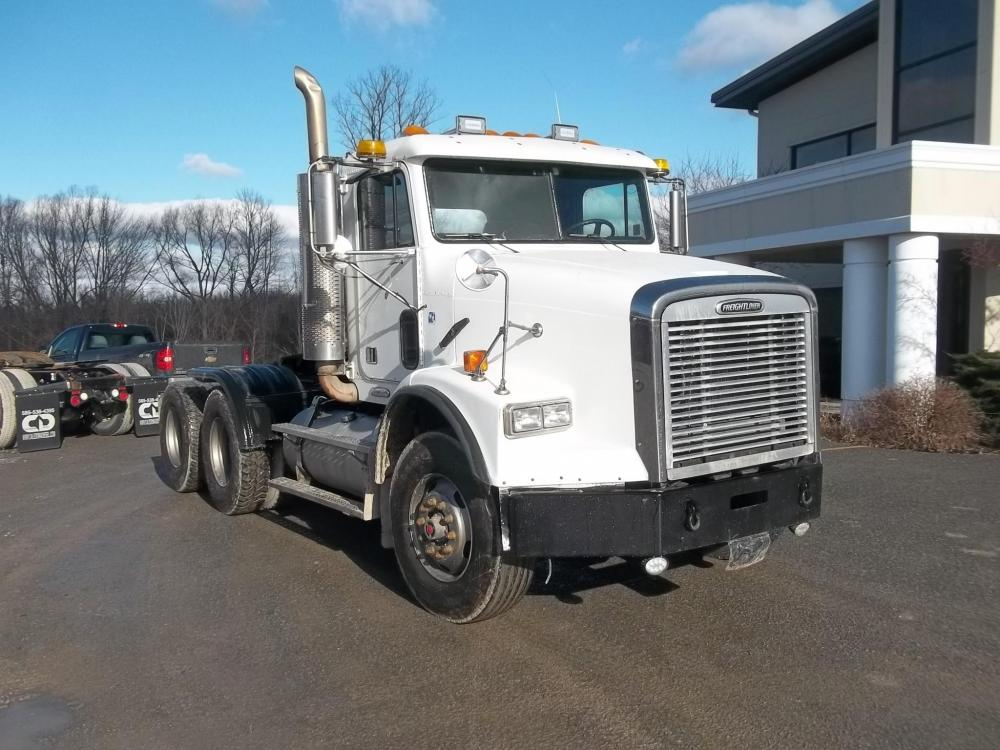 Detail photo of 2002 FREIGHTLINER FLD112 from Construction Equipment Guide