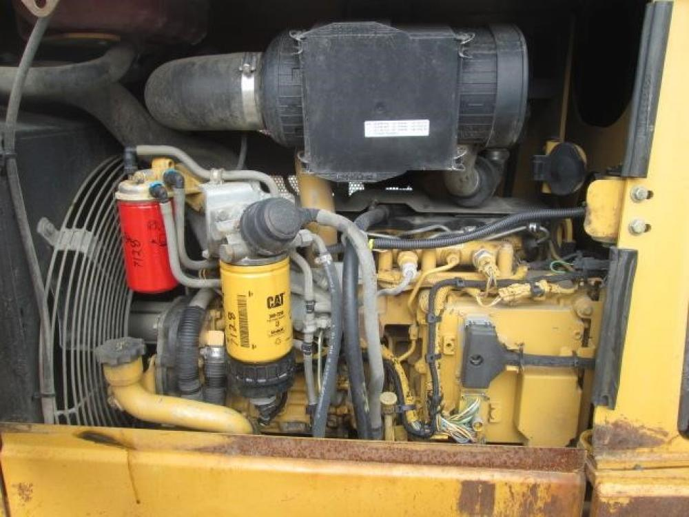 Detail photo of 2009 Caterpillar D5K LGP from Construction Equipment Guide
