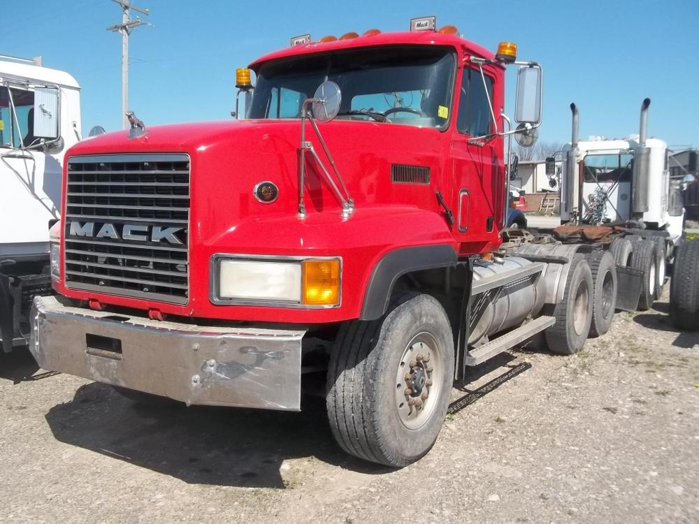 Detail photo of 1998 Mack CL713 from Construction Equipment Guide