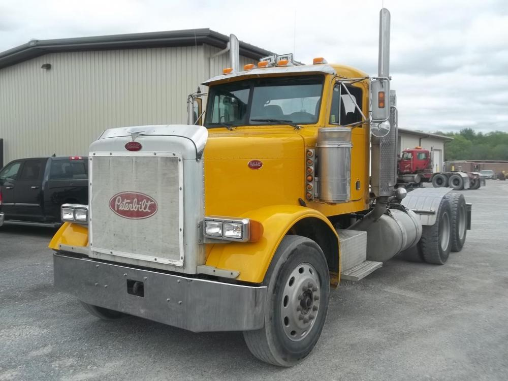 Detail photo of 2005 Peterbilt 379 from Construction Equipment Guide