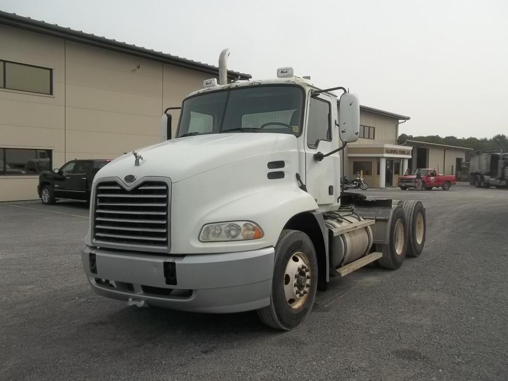Detail photo of 2005 Mack VISION CXN613 from Construction Equipment Guide