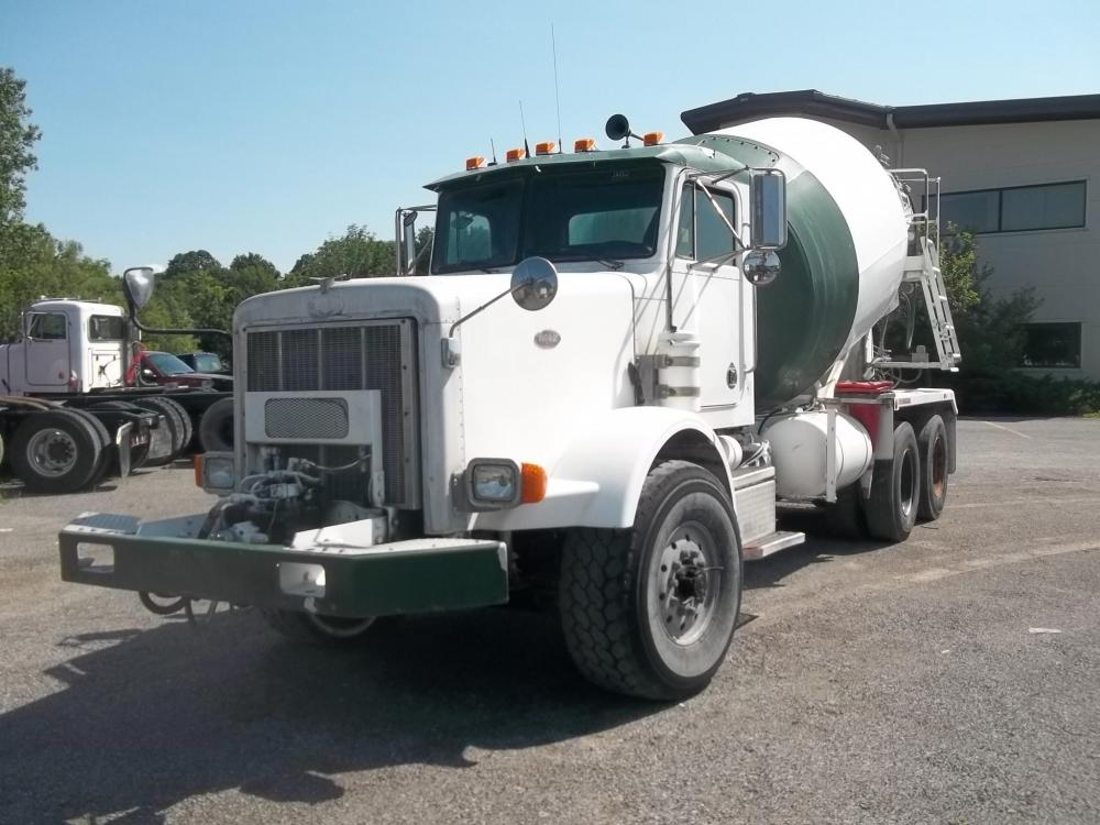 Detail photo of 2002 Peterbilt 357 from Construction Equipment Guide