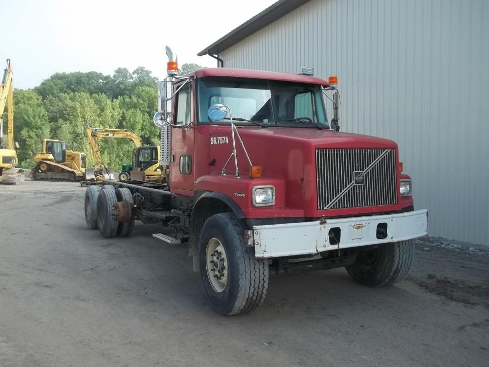 Detail photo of 1997 Volvo WG64F from Construction Equipment Guide