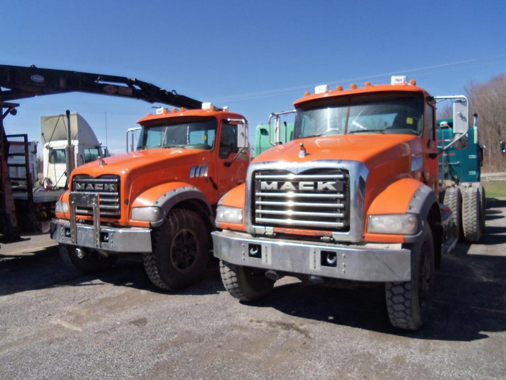 Detail photo of 2008 Mack GRANITE GU713 from Construction Equipment Guide