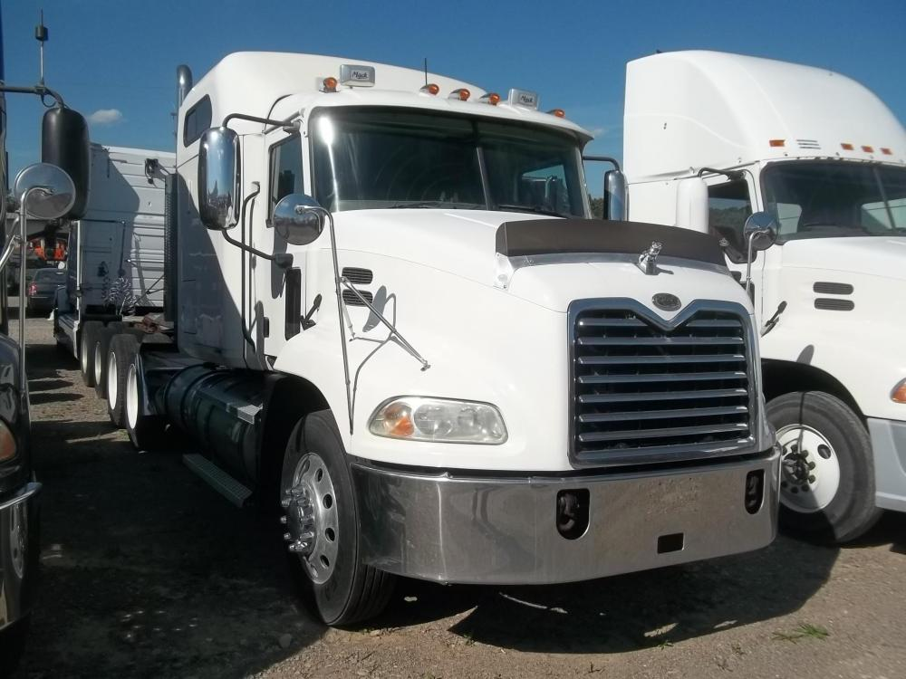 Detail photo of 2007 Mack VISION CXN613 from Construction Equipment Guide