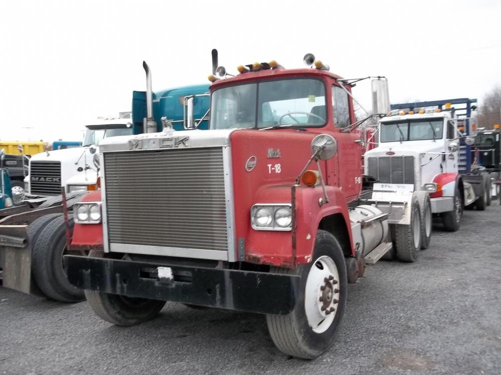 Detail photo of 1980 Mack SUPERLINER RWS766LST from Construction Equipment Guide
