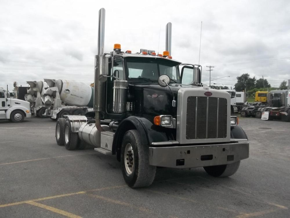 Detail photo of 2009 Peterbilt 367 from Construction Equipment Guide