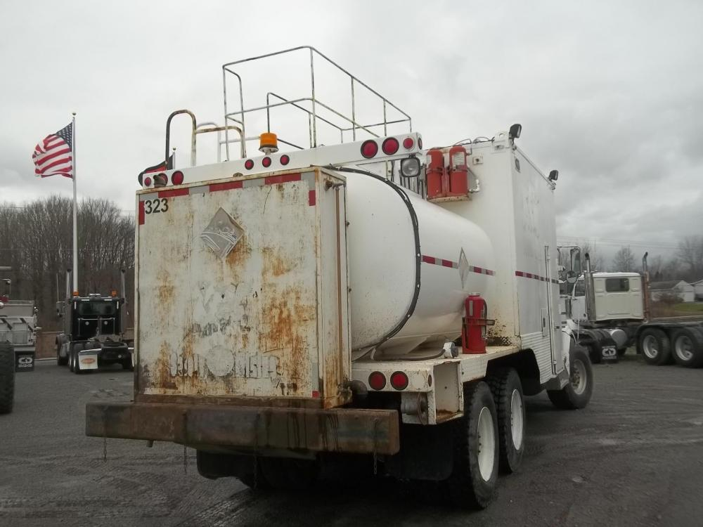 Detail photo of 2006 Peterbilt 357 from Construction Equipment Guide