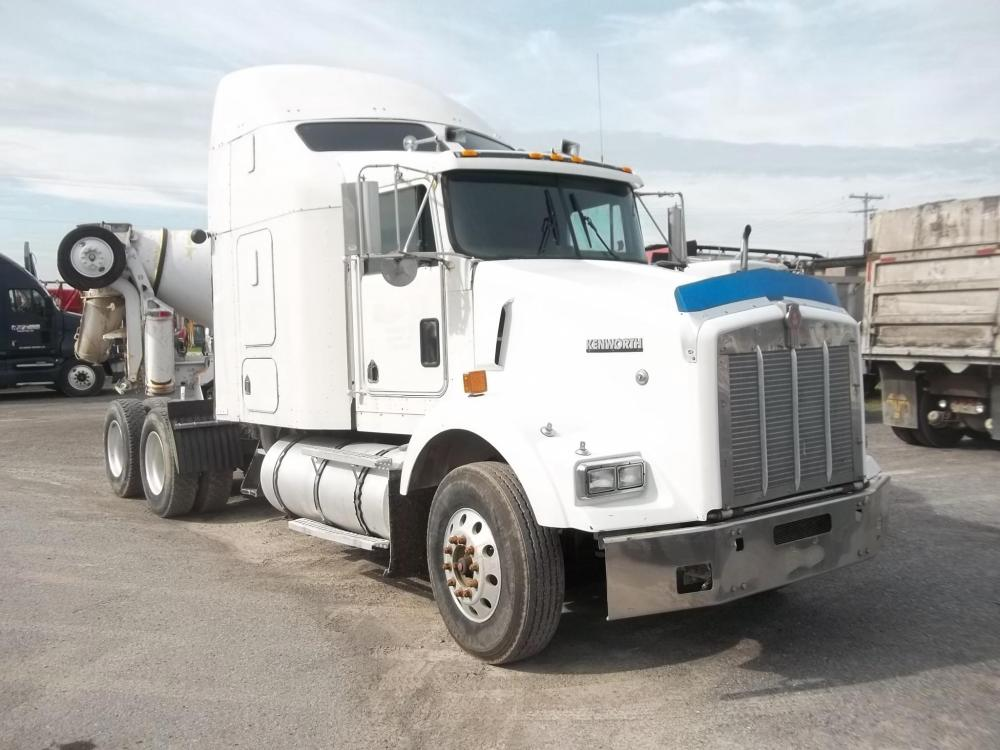 Detail photo of 2000 Kenworth T800 from Construction Equipment Guide