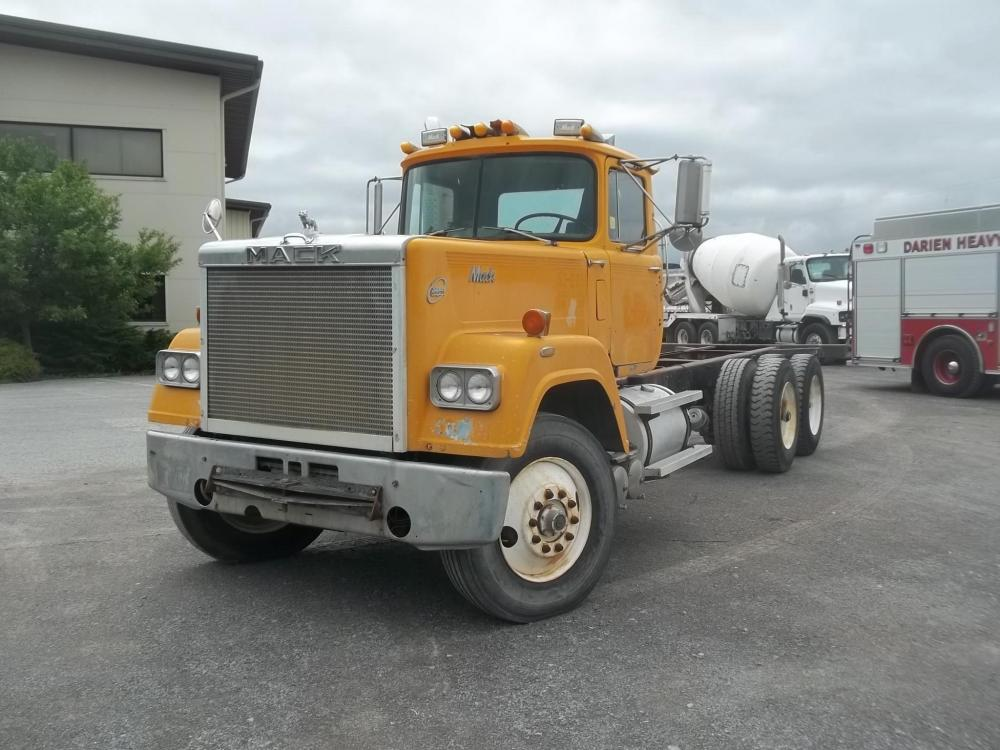Detail photo of 1985 Mack SUPERLINER RWS767LST from Construction Equipment Guide