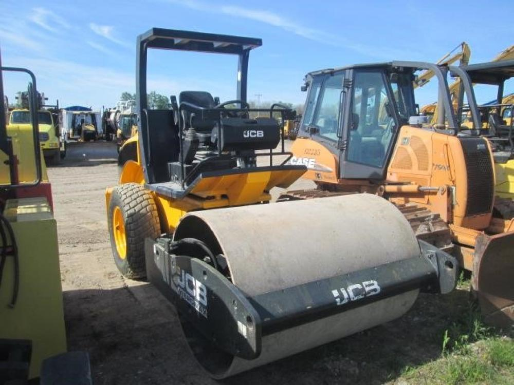 Detail photo of 2012 JCB VM75D from Construction Equipment Guide