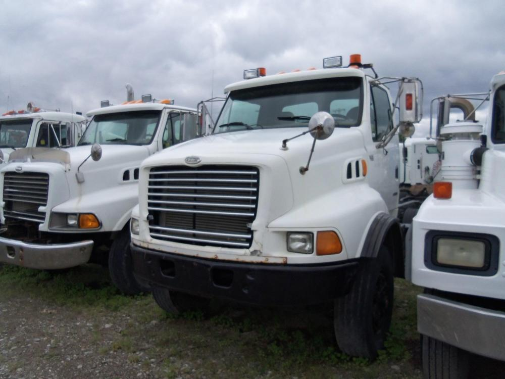 Detail photo of 1999 Sterling L9513 from Construction Equipment Guide