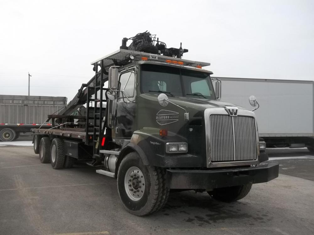 Detail photo of 2006 Western Star 4900 from Construction Equipment Guide