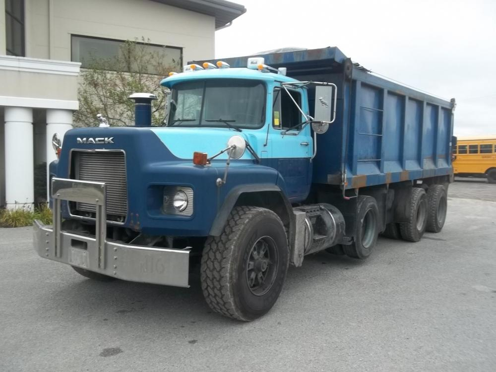 Detail photo of 2003 Mack RB688 from Construction Equipment Guide