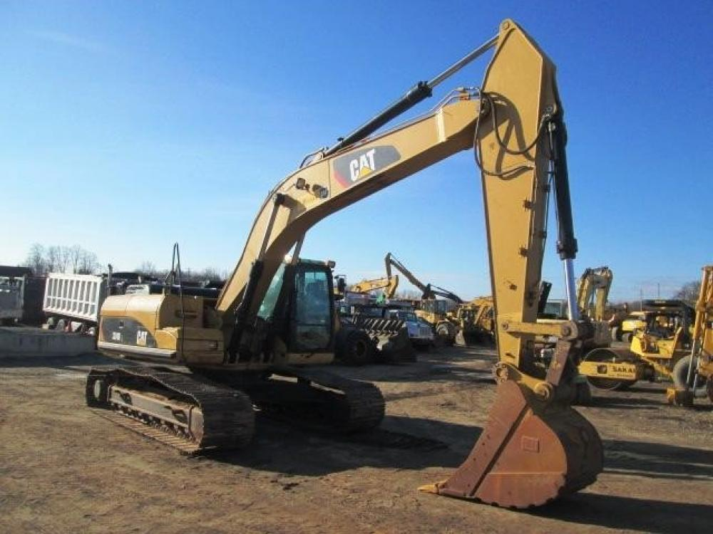 Detail photo of 2008 Caterpillar 324DL from Construction Equipment Guide