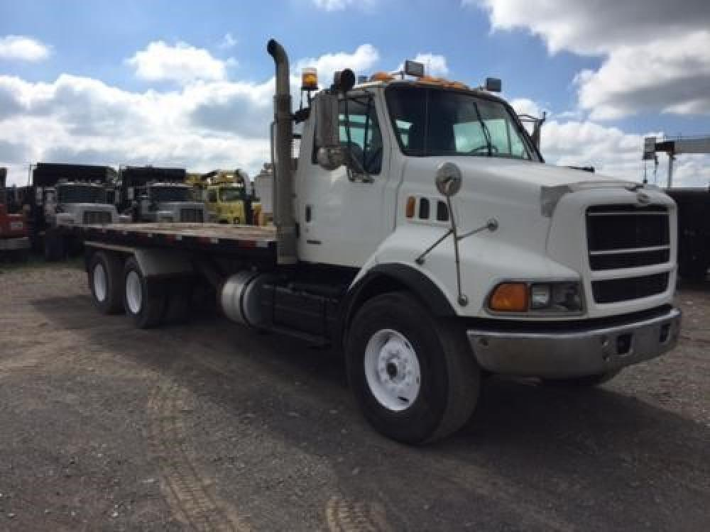 Detail photo of 1999 Sterling LT9513 from Construction Equipment Guide