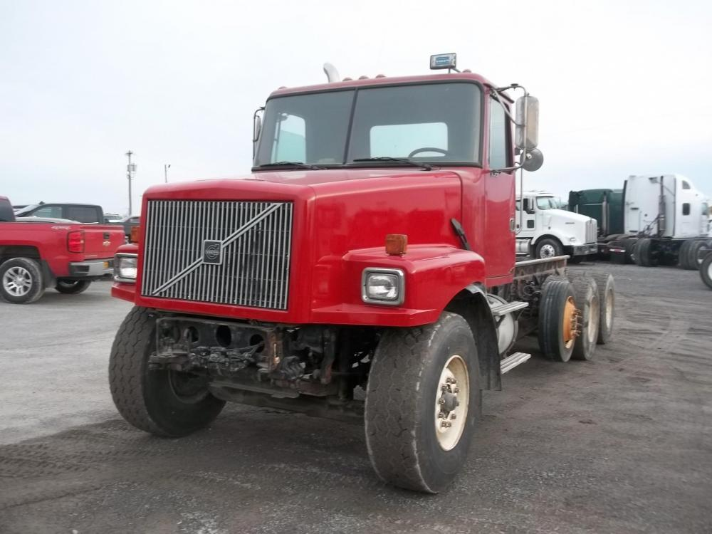 Detail photo of 2000 Volvo WG64 from Construction Equipment Guide