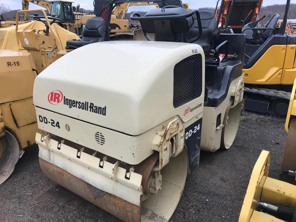 Detail photo of 2001 Ingersoll Rand DD24 from Construction Equipment Guide