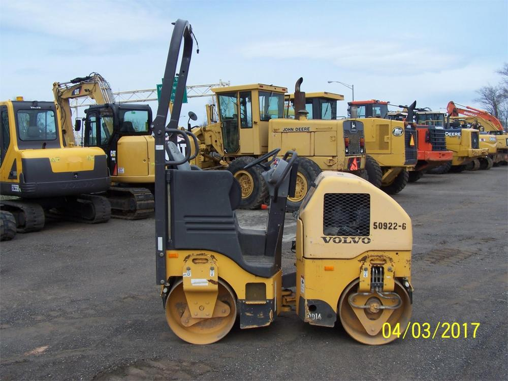 Detail photo of 2012 Volvo DD14 from Construction Equipment Guide