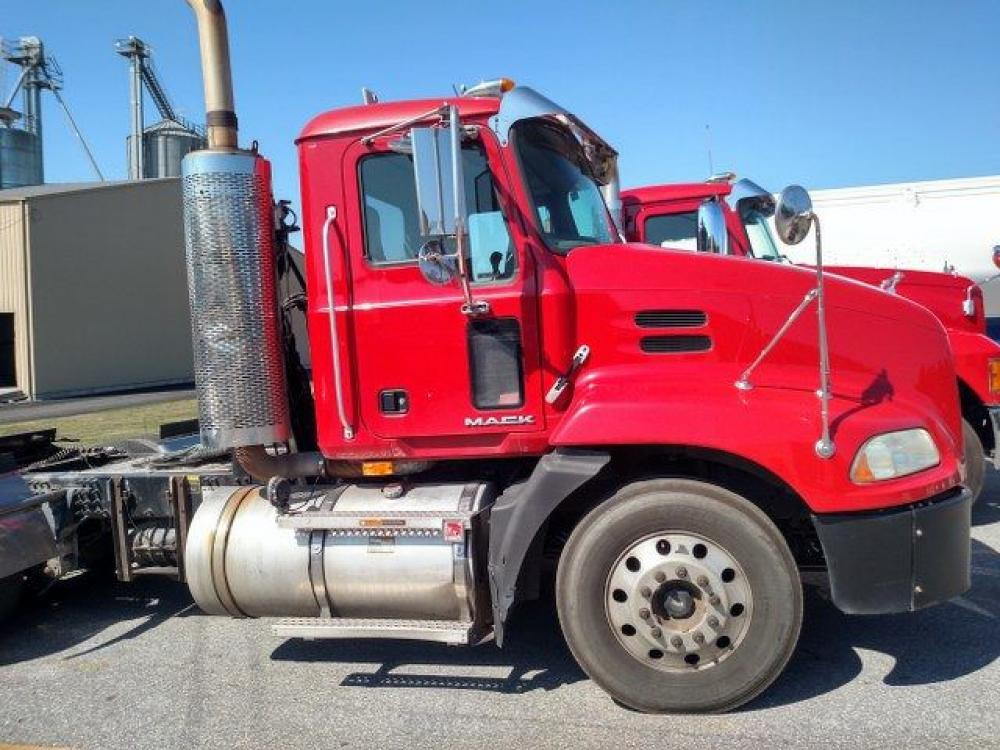 Detail photo of 2010 Mack CXU613 from Construction Equipment Guide