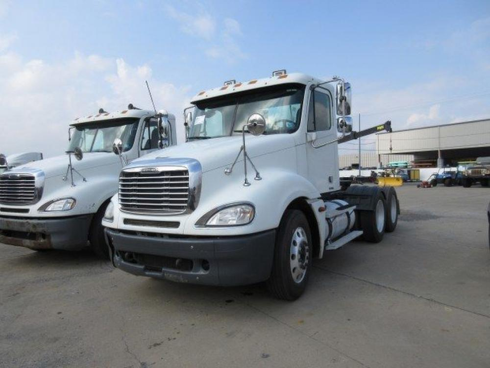 Detail photo of 2005 FREIGHTLINER CL120 CU from Construction Equipment Guide