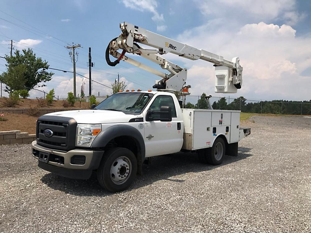 Detail photo of 2013 Ford F550 from Construction Equipment Guide
