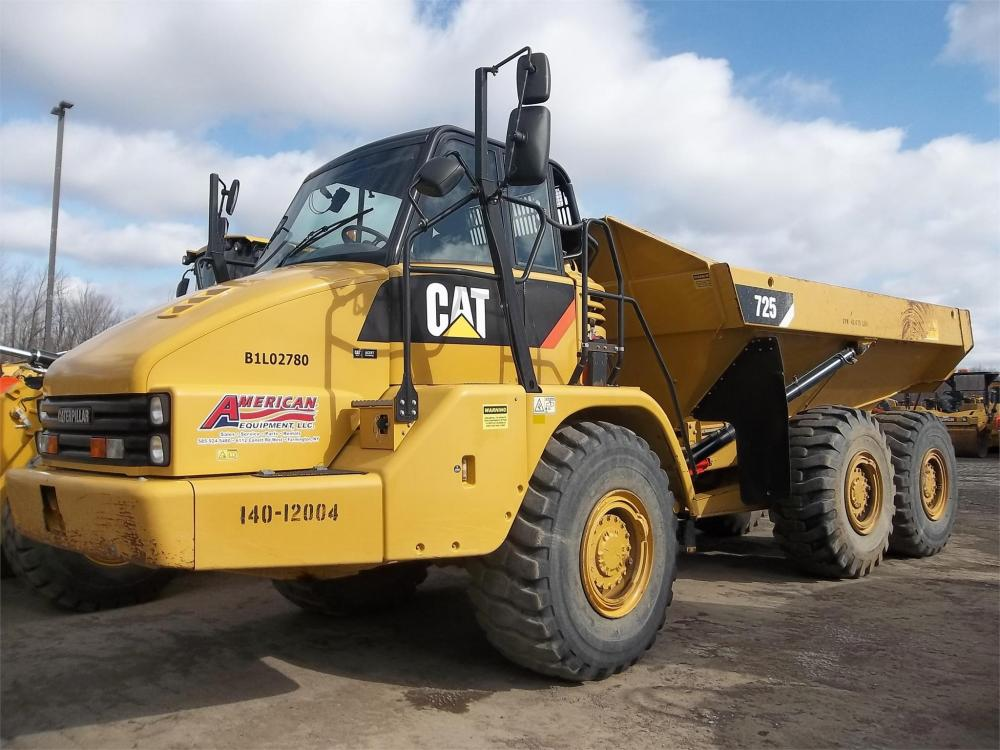 Detail photo of 2012 Caterpillar 725 from Construction Equipment Guide