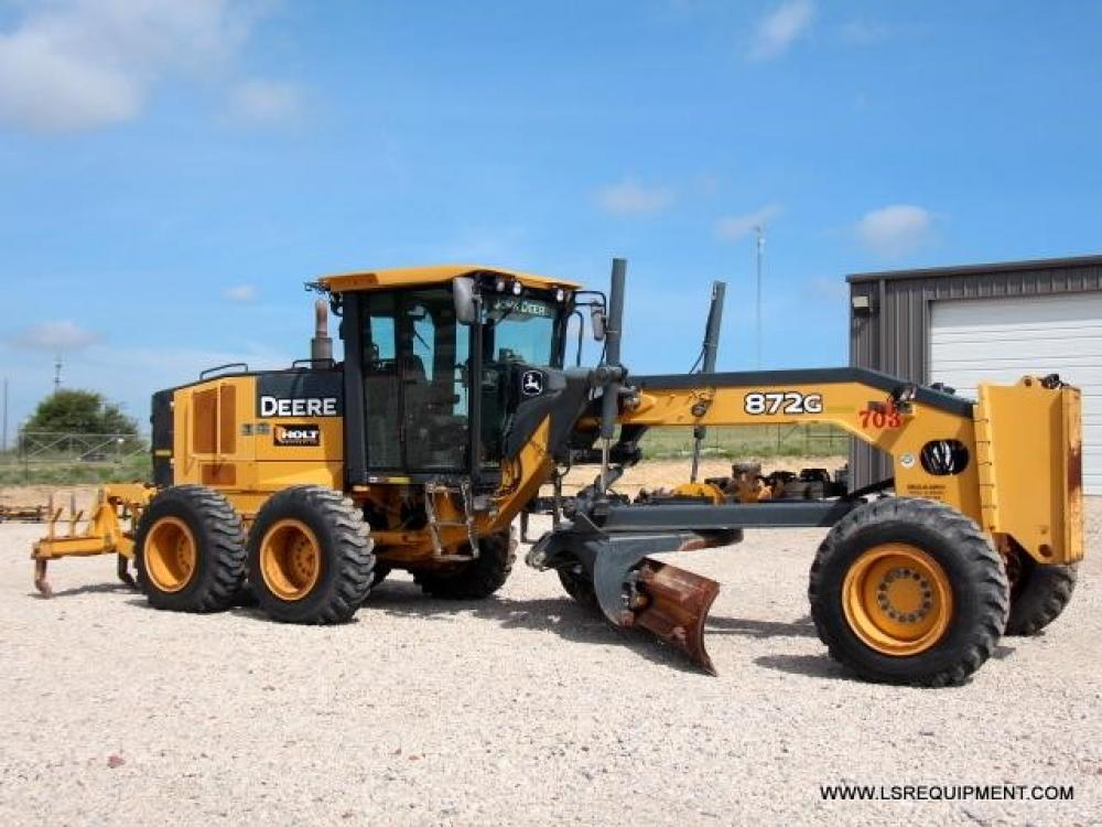 Detail photo of 2009 John Deere 872G from Construction Equipment Guide