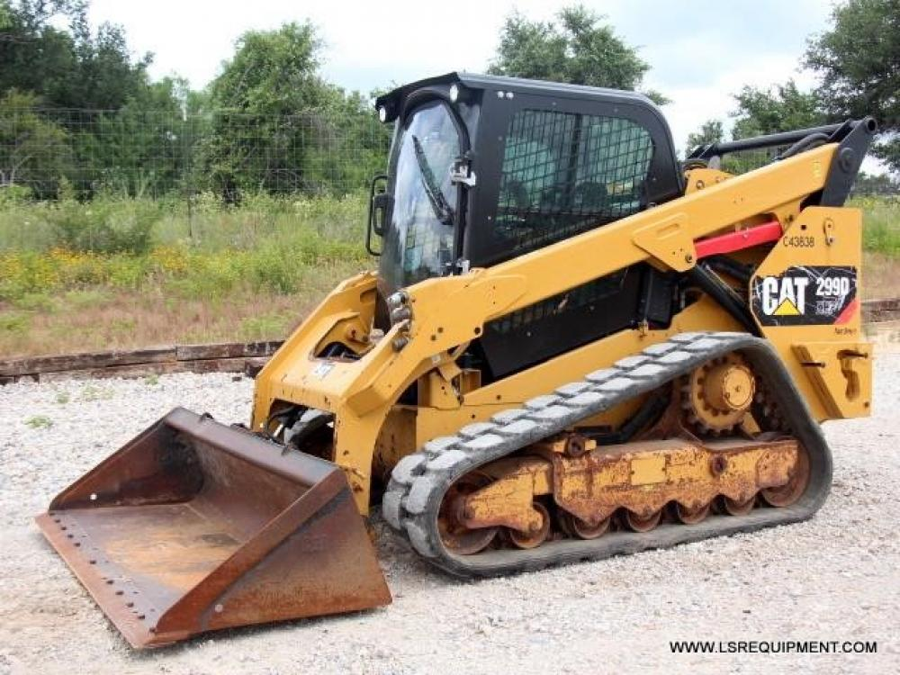 Detail photo of 2015 Caterpillar 299D XHP from Construction Equipment Guide